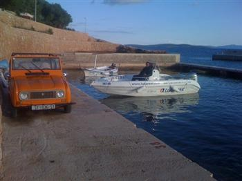 Rent a car Funny car / VW Beetle 1.3 Croatia